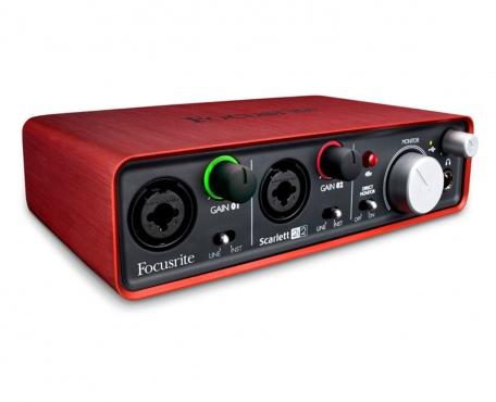 USB аудио интерфейс FOCUSRITE Scarlett 2i2