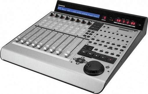 Контрольная панель MACKIE MCU PRO CONTROL Universal PRO