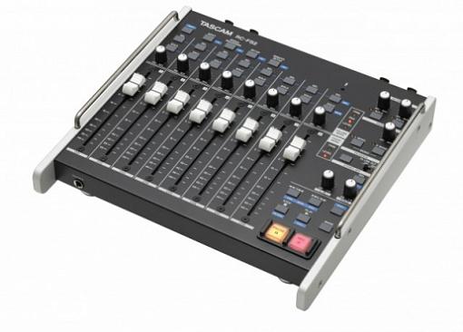 Контроллер TASCAM RC-F82